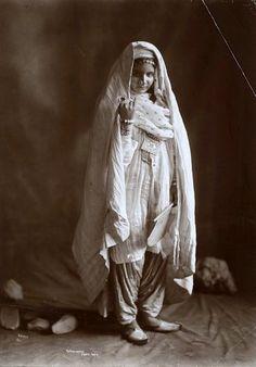 Pathan/Pashtun Woman, Afghanistan 1900
