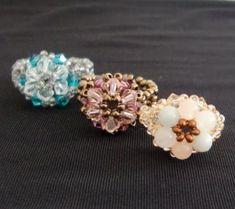 六角形編みの手順です。 ビーズの基本ですので、初めての方にオススメです。 今回はリングにしました。 モチーフは、ストラップやネックレスにも応用できます。 Origami, How To Make Beads, Stud Earrings, Knitting, Handmade, Accessories, Jewelry, Design, Cute Bracelets