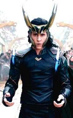 Tom Hiddleston's Loki Will Have a New Badass Costume. Link: https://www.hofmag.com/tom-hiddleston-new-loki-costume/223687