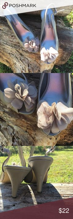Bandilino heels with flower on top Taupe color heels with sheer like flower on top.  Excellent condition Bandolino Shoes Heels