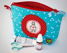 Pillen- & Notfalltaschen - Erste Hilfe Tasche, Notfalltasche, Reiseapotheke - ein Designerstück von labuki bei DaWanda