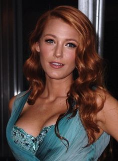34 Ideas For Hair Copper Blonde Blake Lively Natural Wavy Hair, Natural Hair Styles, Blake Lovely, Strawberry Blonde Hair, Gorgeous Redhead, Hair Magazine, Tips Belleza, Redheads, Hair Beauty