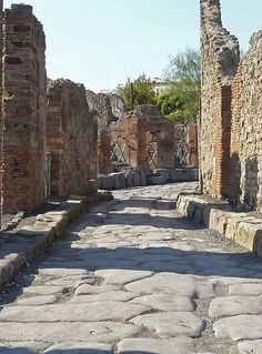 Winding Road, Ruins of Pompeii