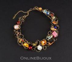 Colier handmade, placat cu aur de 24 k. Pietre: sticla Murano. Culori: multicolor.