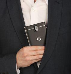 BlackBerry Passport, Passport fits in pocket, pocket, Passport battery life, natural sound