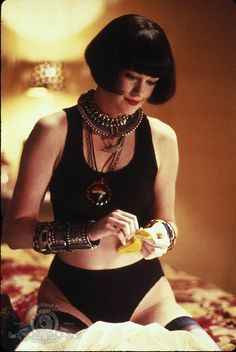 "Melanie Griffith as Audrey Hankel / Lulu in ""Something Wild"" 1986 directed by Jonathan Demme. Melanie Griffith, Tim Burton, Divas, Films Western, Westerns, Something Wild, Sexy Women, Louise Brooks, Juergen Teller"