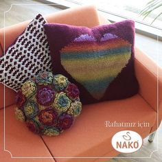 Rahatlamak için her zaman huzurla yaslanacak bir köşeye ihtiyaç vardır. #nakoiplikleri #nako #nakoileoruyorum #hobby #elişi #sevgiyleörüyoruz #iplik #hobi #yastık #örgüyastık #pillow #handknitting #handknittingyarn #nakotv #nakoyarn #huzur #knit #knitting #handmade