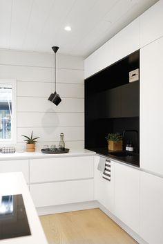 markki_keittio Functional Kitchen, Kitchen Dining, Kitchen Space, Kitchen Cabinets, Decor, Kitchen, Home, Kitchen Dining Room, Cosy Kitchen