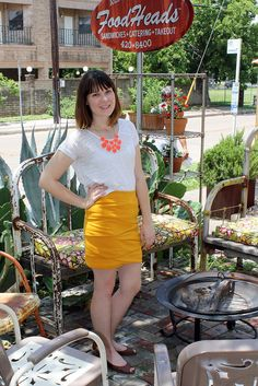 DIY mustard-folded mini skirt from Mustard Fashion, Learn To Sew, How To Make, Sewing Hacks, Sewing Tips, High Waisted Skirt, Mini Skirts, Selfish, Shirts