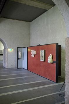 Castelvecchio Museum, Carlo Scarpa Backdrop wall for artwork