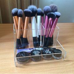 Pinterest @ihorvath920 Casual Makeup, Formal Makeup, Makeup Storage, Makeup Organization, Technique Makeup Brushes, Beauty Makeup, Hair Makeup, Real Techniques Brushes, Beauty Planet