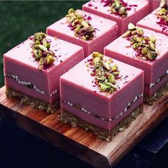 Pistachio rose almond pistachio crust rose cheesecake with pistachio Buckini ribbon topped with pistachios & rose petals. By by dessertmasters Fancy Desserts, Raw Desserts, Delicious Desserts, Raw Food Recipes, Cake Recipes, Dessert Recipes, Raw Cake, Pastry Art, Mini Cakes