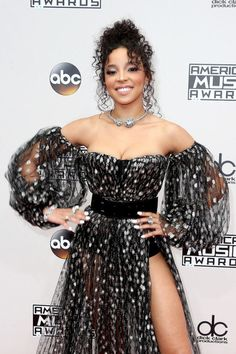 Image shared by Camila. Find images and videos about girls and tinashe on We Heart It - the app to get lost in what you love. Tinashe, Look At The Stars, American Music Awards, Female Singers, Celebs, Celebrities, Celebrity Style, Sequin Skirt, Style Inspiration