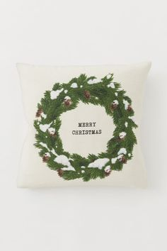 Cotton Canvas Cushion Cover - Natural white/wreath - Home All Christmas 2019, Christmas Shopping, Christmas Wreaths, Christmas Decorations, Xmas, H&m Recycle, Studio Decor, Gift Card Shop, White Wreath