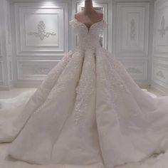 couture wedding dress,vintage wedding dress,vestidos de noiva, bridal gowns,luxurious wedding ideas