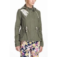 """Anthropologie itinerant anorak •DOTL• DETAILS •cargo utility jacket•  Top off your outfit with a touch of tomboy, thanks to Daughters of the Liberation's cropped twill coat with velvet trim  By Daughters of the Liberation Lace trim at upper corner  Detachable hood  Front pockets  Zip front  Cotton  Hand wash   23.25""""L   Style No. 26135236 Anthropologie Jackets & Coats Utility Jackets"""