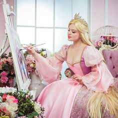 Embrace your dreams by creating art 🌸 Rapunzel Cosplay, Disney Cosplay, Blonde Hair Characters, Princess Rapunzel, Princess Barbie, Diy Fairy Wings, Barbie Tumblr, Barbies Pics, Princess Pictures