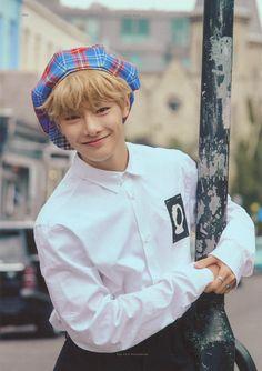 Busan, Jonghyun, Fandom, Felix Stray Kids, Kid Memes, Lee Know, Kpop Groups, Boys Who, K Idols