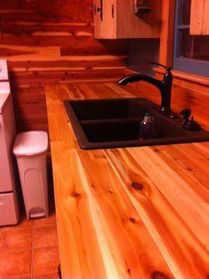 I love this cedar countertop....BEAUTIFUL! | Primitive ...