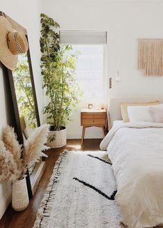 pampas gras in boho bedroom + simple bedroom idea . - pampas gras in boho bedroom + simple bedroom idea … - Bedroom Inspo, Home Decor Bedroom, Cozy Bedroom, Bedroom Furniture, Summer Bedroom, Nature Bedroom, Bedroom Country, Bedroom Romantic, Bedroom Curtains