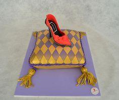 Modern cinderella Celebrate Good Times, Cool Birthday Cakes, Confectionery, Cake Designs, Cake Decorating, Shoulder Bag, Celebrities, Cinderella, Bags