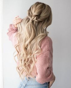 In today's hair tutorial I am sharing 3 easy hairstyles that are perfect for this sweater weather we're currently having. The first hairstyle is a voluminous twisted ponytail, the technique is… Valentine's Day Hairstyles, Formal Hairstyles, Pretty Hairstyles, Braided Hairstyles, Wedding Hairstyles, Wedding Updo, Braided Updo, Luxy Hair, Twist Ponytail