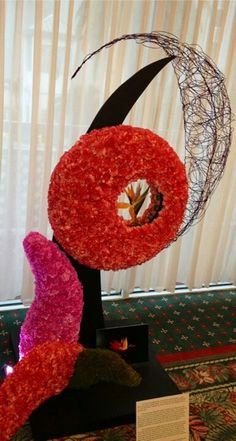doy design winner Unique Flower Arrangements, Unique Flowers, Pool Wedding, Floral Wedding, Modern Floral Design, Floral Designs, Flower Art, Art Flowers, Arte Floral