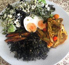 Café da manhã/almoço - 19hs em jejum e só agora a fome bateu. #30DiasBichoEPlanta #lowcarb #lowcarbdiet #lowcarblifestyle #dietalowcarb #vidasaudavel #comidadeverdade #healthy #healthyfood by um_diario_saudavel
