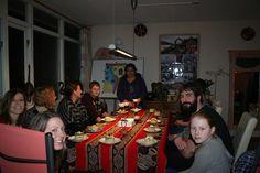 Gezellig! Na het afronden van een cursus Spaans. Vieren wij samen met een kookworkshop Peruaanse cuisine.