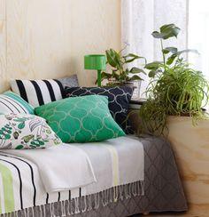 Prydnadskuddar i olika mönster. Den, Throw Pillows, Inspiration, Home, Style, Biblical Inspiration, Swag, Toss Pillows, Cushions