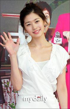 Jung So Min, Playful Kiss, Young Actresses, One Life, I Fall, Dramas, Korean, Beautiful Women, Moon