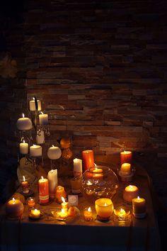 Detalle de velas en salón de bodas y celebraciones en Posada Casa del Abad de Ampudia hotel spa #hotelesconencanto #hotelesenpalencia #bucolichoteles