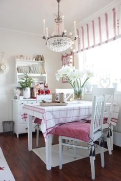 Pink and white casual dining, so pretty.
