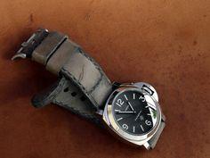 Caitlin 5 serie Panerai strap from Gunny Straps, watchstraps, watches Best Looking Watches, Panerai Straps, Panerai Watches, Love Affair, Vintage Watches, Smart Watch, Watch Straps, Handmade, Jewelry
