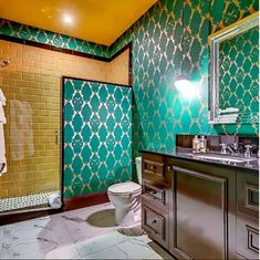 Such a cool #bathroom #design at Printers Alley Lofts in #Nashville. That's our FREESTYLE wall tile on the shower wall. Beautiful design by Anderson Design Studio. #printersalley
