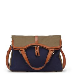 Great weekend folding bag. I'm obsessed with navy and olive as neutrals for spring/summer. This has both of my summer neutrals! And a great price!