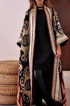 Printed and Embroidered Kimono Style Abaya Collection – Girls Hijab Style & Hijab Fashion Ideas Abaya Fashion, Kimono Fashion, Modest Fashion, Fashion Dresses, Mode Abaya, Mode Hijab, Look Fashion, Womens Fashion, Fashion Trends