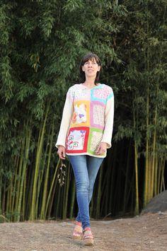 sweter con tela estampada unida a crochet y mangas y espalda tejida a dos agujas con hilo de algodón, creado por Silvana gloria tejidos