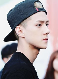 Sehun without makeup is a beautiful thing.