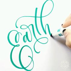 Pin by Chrystal Elizabeth on Chrystal Elizabeth [Video] Crayola Calligraphy, Calligraphy Drawing, Calligraphy Handwriting, Calligraphy Letters, Modern Calligraphy Alphabet, Free Handwriting, Font Alphabet, Calligraphy Quotes, Penmanship