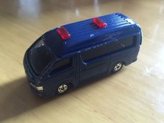 2005 TOMICA NO.48 S=1/64 TOYOTA HIACE