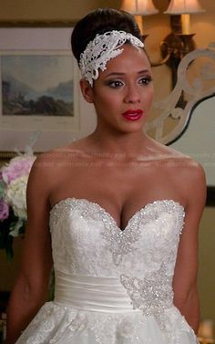 Love the idea of wearing a headband instead of a veil. Rosie from Devious Maids is rocking it!!