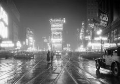 Times Square, Manhattan, New York, New York, USA — Times Square in the Rain and at Night