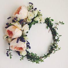 Couronne de fleurs rose-blanc-violet , sublime. En vente sur le site en lien