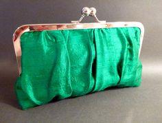 Kelly green dupioni silk clutch Bridesmaid Clutches, Bridal Clutch, Green Silk, Color Card, Kelly Green, Fall Wedding, Favorite Color, Coin Purse, Etsy Shop