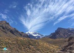 🇧🇷 Passeio de alta montanha, excursão subindo a Cordilheira dos Andes desfrutando de paisagens incríveis em Mendoza, Argentina. 🇺🇸 High mountain tour in the Andes enjoying amazing landscapes in Mendoza, Argentina.