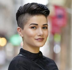 50 Popular Short Hairstyles for women Regardless of your hair type, you'll find here lots of superb short hairdos, including short wavy hairstyles, natural hairstyles for short hair, short punk hairstyles and short hairstyles for thick or fine hair. Shaved Side Hairstyles, New Short Hairstyles, Short Pixie Haircuts, Undercut Hairstyles, Pixie Hairstyles, Shaved Side Haircut, Natural Hairstyles, Beach Hairstyles, Hairstyles Pictures