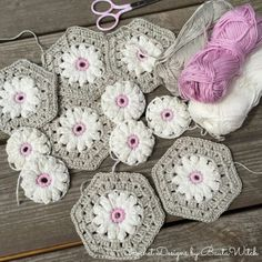 Transcendent Crochet a Solid Granny Square Ideas. Inconceivable Crochet a Solid Granny Square Ideas. Crochet Motifs, Granny Square Crochet Pattern, Crochet Blocks, Crochet Squares, Crochet Patterns, Afghan Patterns, Crochet Hexagon Blanket, Flower Granny Square, Knitting Patterns