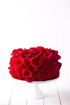Rose Cake Recipe - made with fresh (edible!) roses | Beautiful!!!!