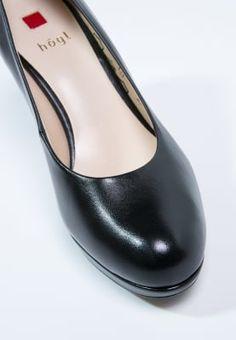 Bestill Högl Høye hæler - black for kr 1 med gratis frakt på Zalando. Flats, How To Wear, Shoes, Fashion, Black, Loafers & Slip Ons, Moda, Zapatos, Shoes Outlet